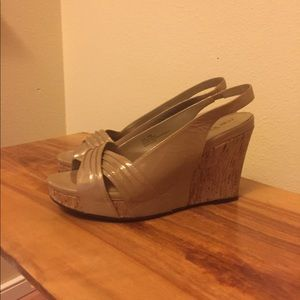 Me Too wedge tan patent heels